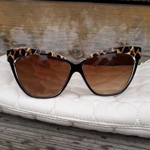 Betsey Johnson Cat Eye Sunglasses - excellent